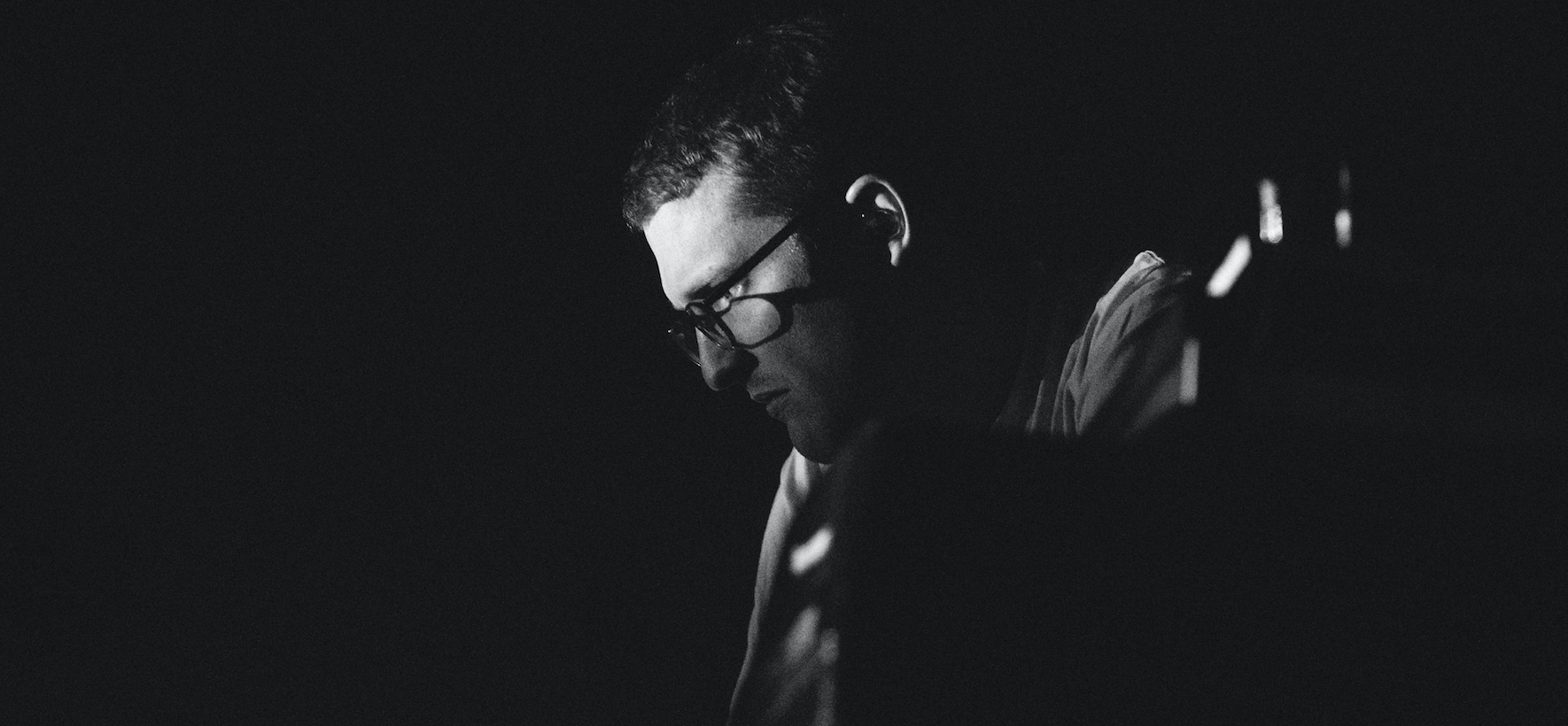 Floating Points live in Berlin (Foto: Camille Blake)