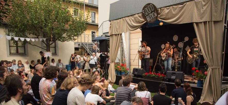 Foto von einer der Bühnen beim The Sound Of Bronkow Music Festival