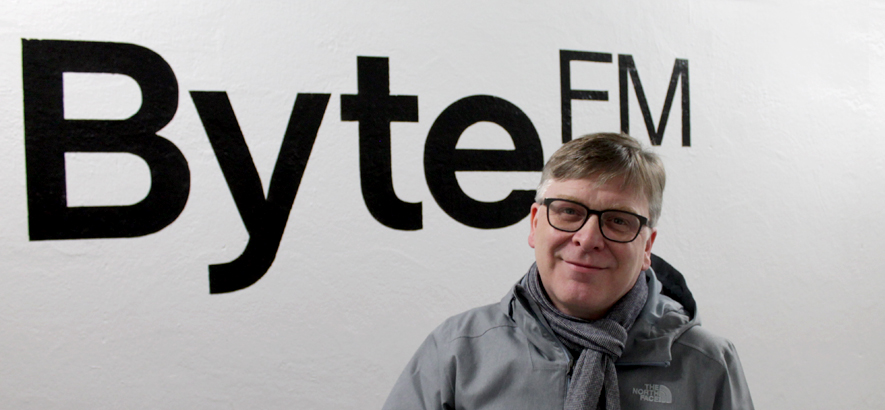 Foto von Norman Blake, Gitarrist und Sänger von Teenage Fanclub, im ByteFM-Studio