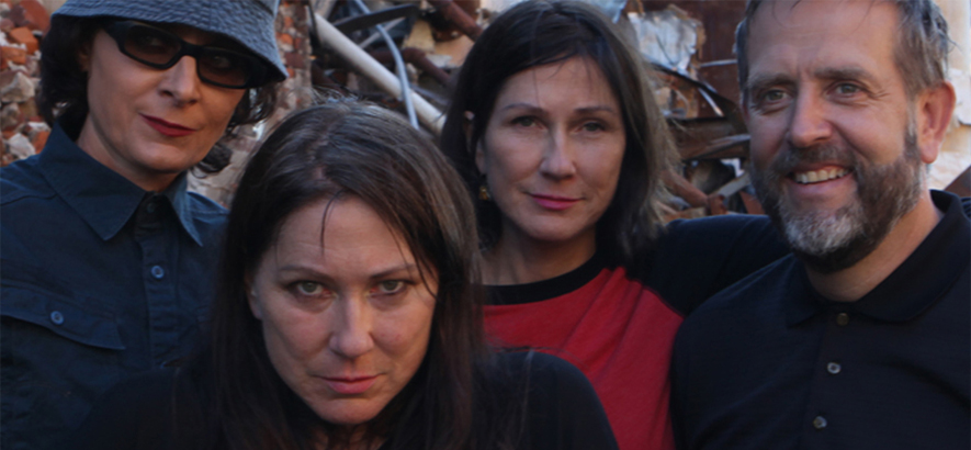 "The Breeders – ""Nervous Mary"" (Foto: 4AD)"