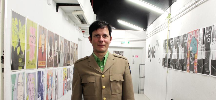 Felix Kubin bei seinem Besuch in der ByteFM Redaktion