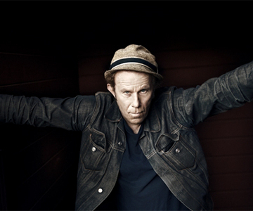 "Tom Waits & Keith Richards – ""That Feel"""