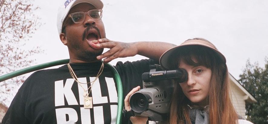 Foto von Faye Webster, zusammen mit Rapper Father