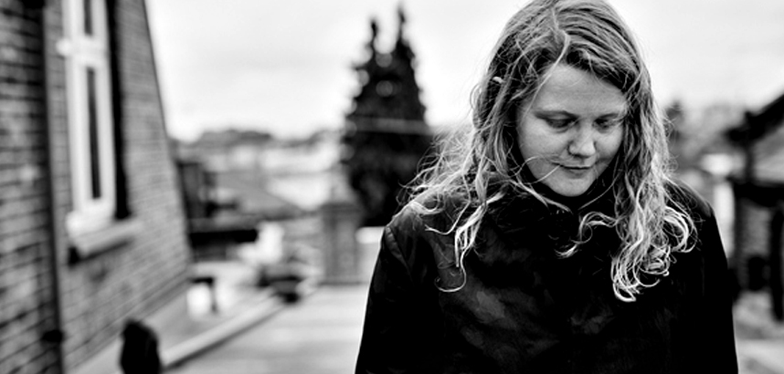 "Kate Tempest: neues Album ""The Book Of Traps And Lessons"" kommt im Juni"