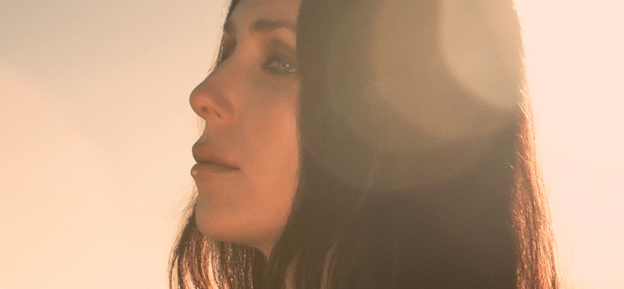 "Chelsea Wolfe kündigt neues Album ""Birth Of Violence"" an"