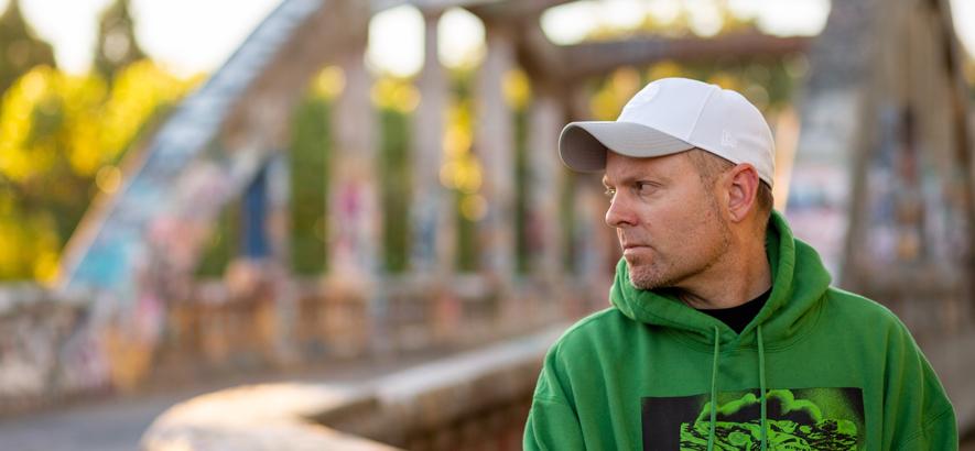Pressefoto von Joshua Paul Davis alias DJ Shadow