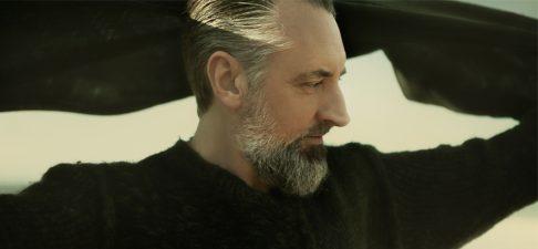 Fink kündigt neues Album an und veröffentlicht Titeltrack