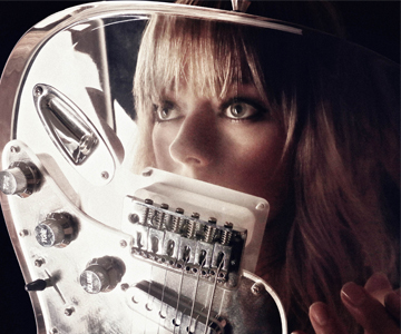 "Chromatics – ""Light As A Feather"""
