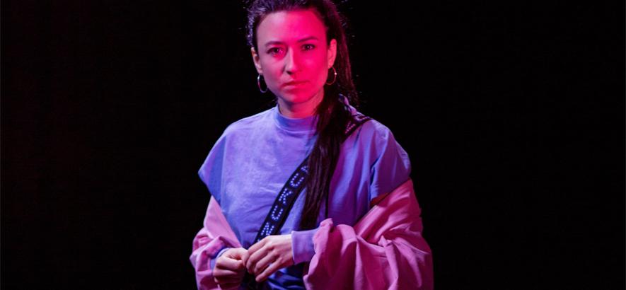 """Die Musikerin Lucia Cadotsch. Mit Liun + The Science Fiction Band veröffentlichte sie """"Sorry Boy"""", unseren Track des Tages."""