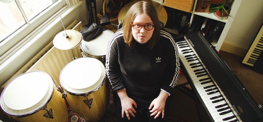 Foto der britischen Musikerin Emma-Jean Thackray
