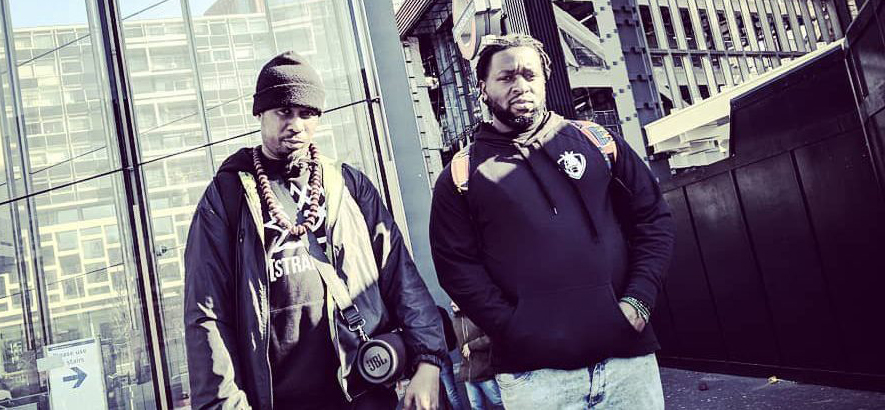 King Kashmere und Joker Starr aus London. Die Rapper und Producer sind unter dem Namen Gawd Status als psychedelische Beat-Professoren unterwegs.