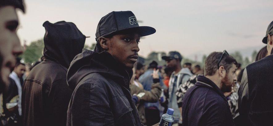 "Foto des Londoner Rappers JME, dessen Stück ""You Know"" heute unser Track des Tages ist. Inspiration holt sich der Beat für JMEs Wortspiele aus dem Hardcore-Kontinuum."