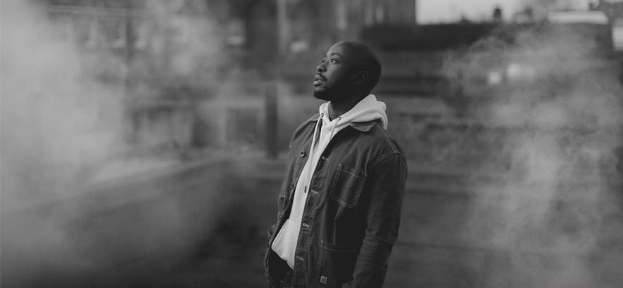 """Der Londoner Rapper Oscar #Worldpeace. Die gesummte Hookline seiner Single """"Mmm"""" taugt zum Sofort-Ohrwurm."""