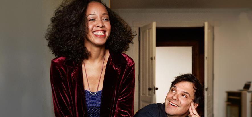 Felicia Douglass und Dave Longstreth von Dirty Projectors. Die New Yorker Band will diese Jahr fünf EPs herausbringen, bei denen immer eine neue Stimme im Mittelpunkt steht.