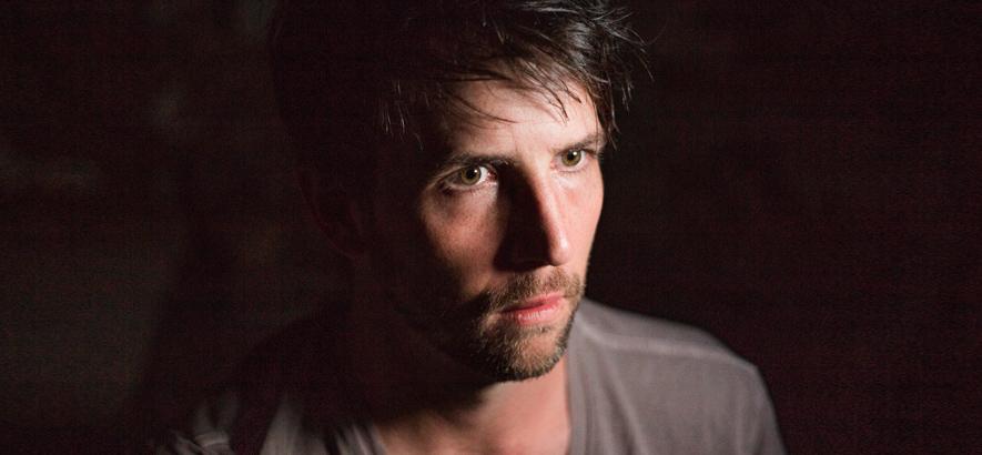 Foto des Musikers Owen Pallett, der überraschend ein neues Album veröffentlicht hat