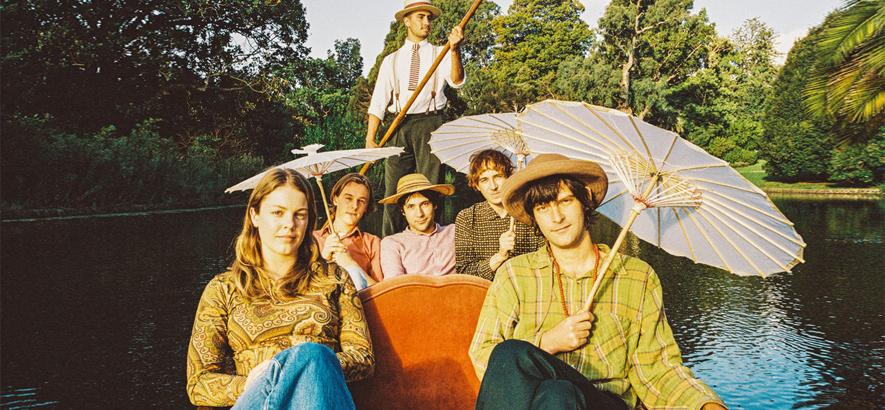 """Die australische Band Banananagun. Das Quintett aus Melbourne bringt heute aus dem Outback des Funk sein Debütalbum """"The True Story Of Bananagun""""."""