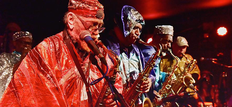 Das Jazz-Ensemble Sun Ra Arkestra, das nach über 20 Jahren ein neues Studioalbum herausbringen wird.