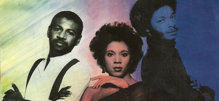 """Die Band C.O.D. auf dem Cover ihrer Single """"Up Hill"""". Das Gil-Scott-Heron-Quasi-Cover """"In The Bottle"""" ist ein Beispiel für 808-Funk."""