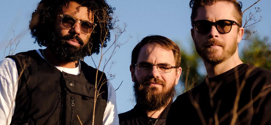 """Bild der Band Clipping., die eine neue Single mit dem Titel """"Say The Name"""" herausgebracht hat."""