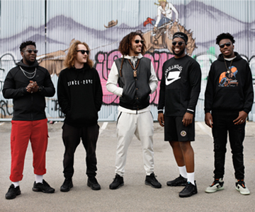 """Dark Side Riddim"": Neue Doppelsingle von Ezra Collective"