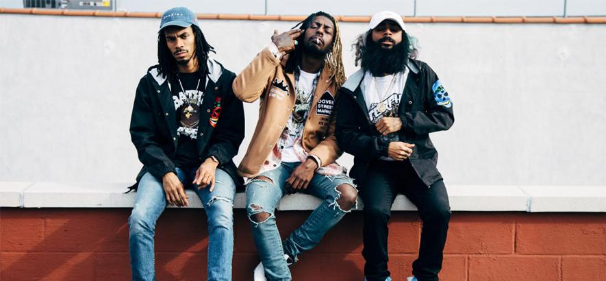 """Die HipHop-Gruppe Flatbush Zombies. Im Clip zu ihrer Single """"Afterlife"""" wandeln Menschen als morbide Röntgenbilder durch die Welt."""