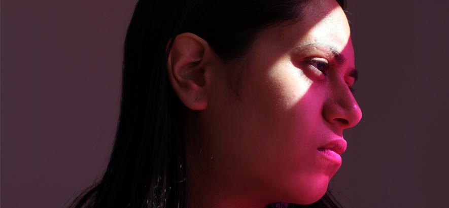 """Foto der Produzentin Sara Abdel-Hamid alias Ikonika. Ihr Track """"A Void"""" rangiert zwischen Grime und G-Funk."""