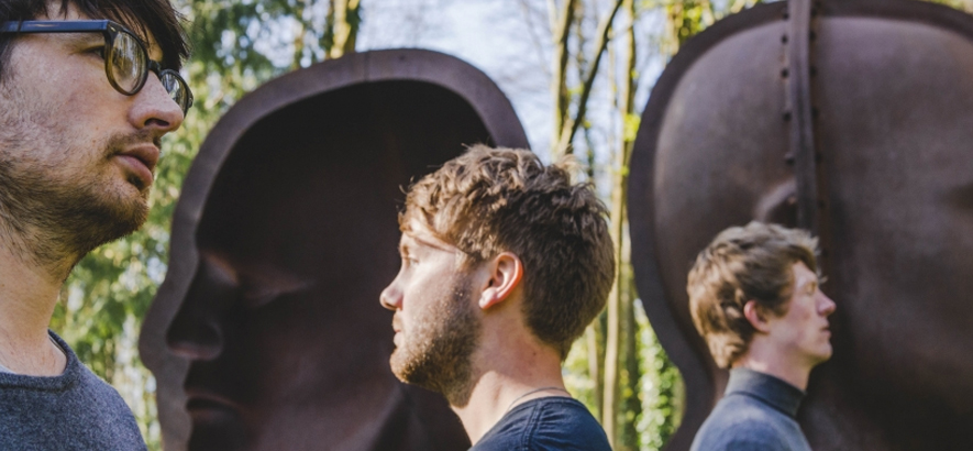 """Bild der britischen Indierock-Band Traams, die eine neue Single mit dem Titel """"The Greyhound"""" herausgebracht hat."""