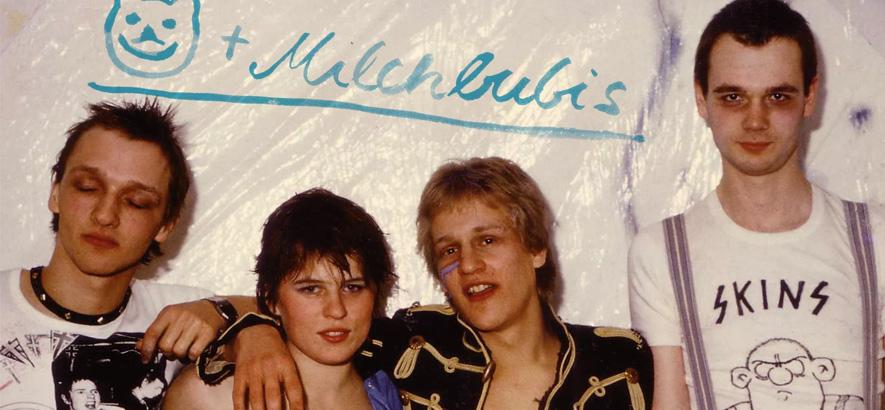 """Bild der Band Bärchen Und Die Milchbubis, deren Song """"Tiefseefisch"""" von einer als zu kalt und glitschig empfundenen Person handelt."""