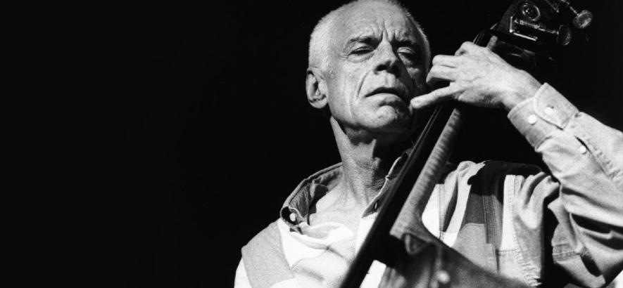 Foto des Jazz-Bassisten Gary Peacock, der im Alter von 85 Jahren gestorben ist.