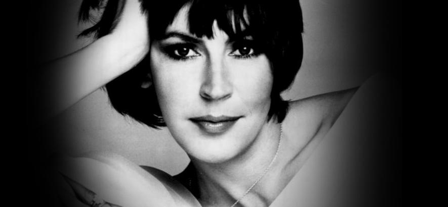 """Foto der australischen Sängerin Helen Reddy, Sängerin des 1970er-Jahre-Hits """"I Am Woman"""", die im Alter von 78 Jahren gestorben ist."""