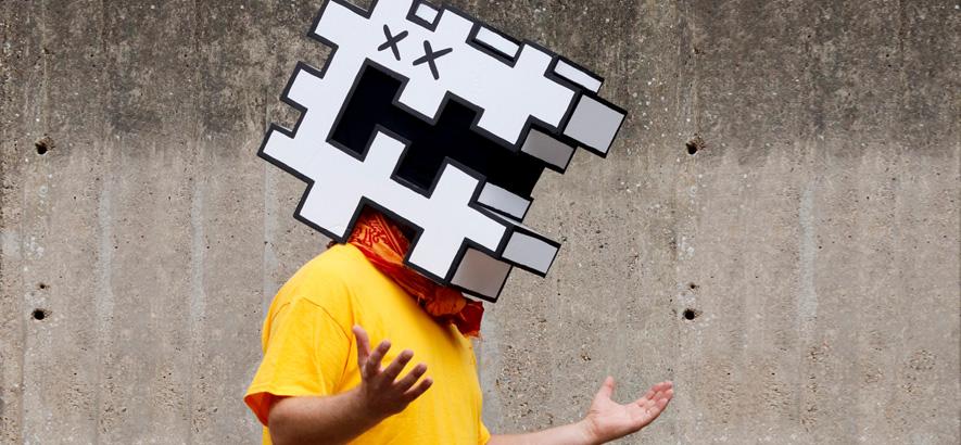 """Pressebild des Londoner Künstlers Raf Rundell, dessen Single """"Monsterpiece"""" von Flüge, Freiheit und Flöten handelt."""