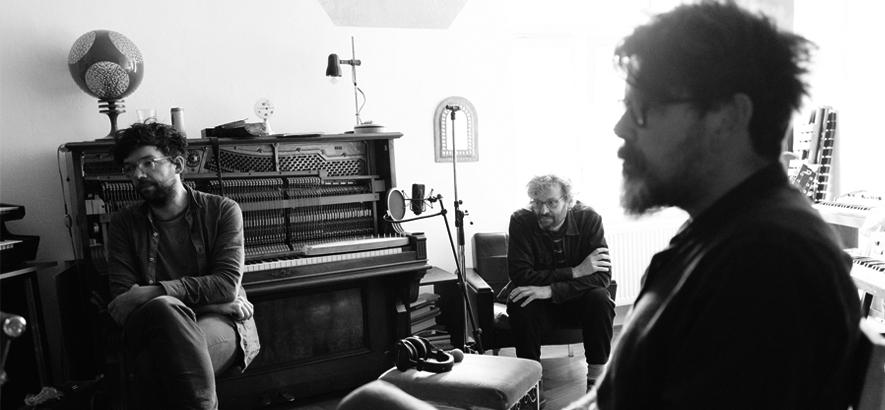 """Bild der Weilheimer Band The Notwist, die mit """"Oh Sweet Fire"""" eine neue Single veröffentlicht hat."""