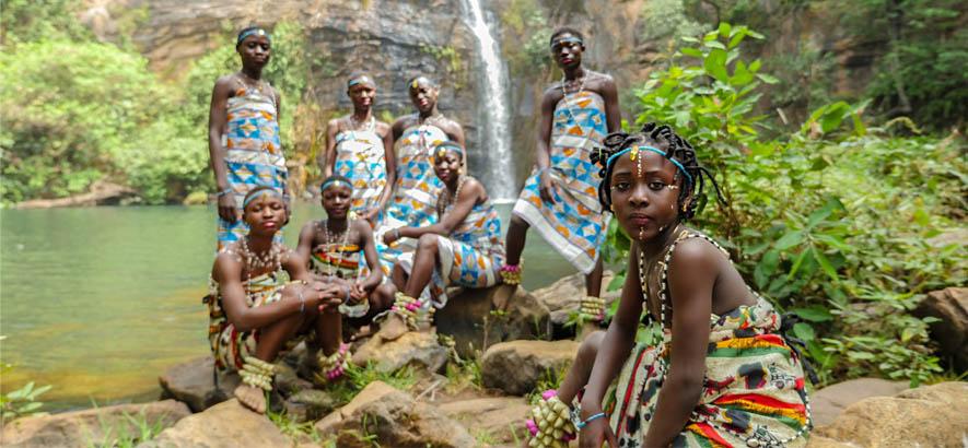 """Foto der Gruppe Star Feminine Band aus der Stadt Natitingou in Benin. Ihr Song """"Femme Africaine"""" ist heute ByteFM Track des Tages."""