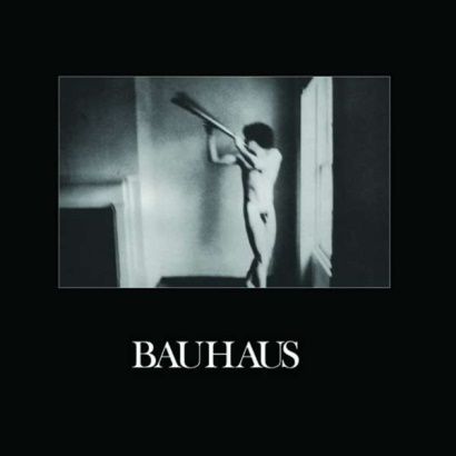 """Bild des Albumcovers von """"In The Flat Field"""" von Bauhaus, das 40 Jahre alt wird."""