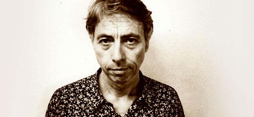 Foto von Komponist und Ambient-Ikone Harold Budd, der im Alter von 84 Jahren an einer COVID-19-Infektion gestorben ist.