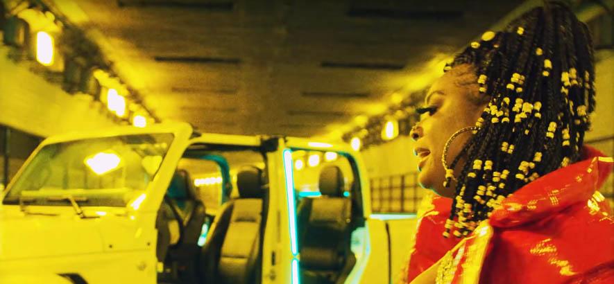 """Screenshot aus dem Video zu unserem Track des Tages von der Rapperin Kamaiyah: """"Still I Rise"""" (feat. Jackboy)."""