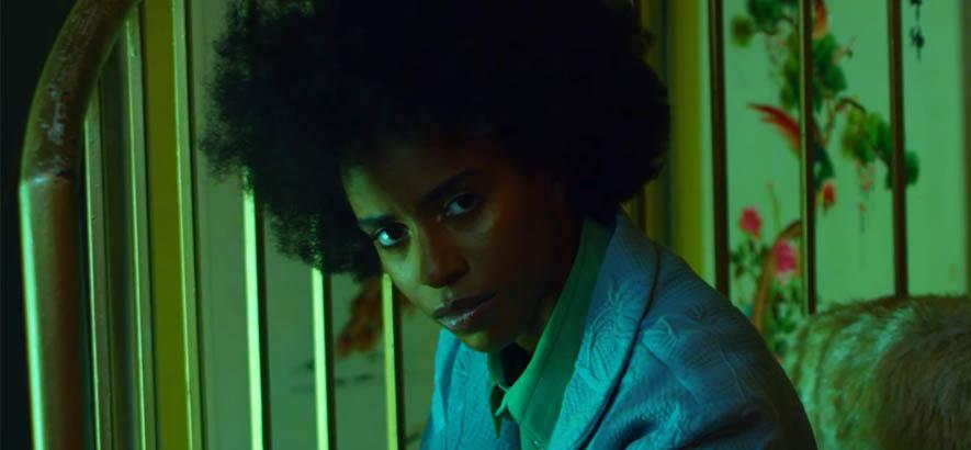 """Screenshot aus dem Video zu unserem Track des Tages """"Weight"""" von US-HipHop-Künstler*in Angel Haze."""