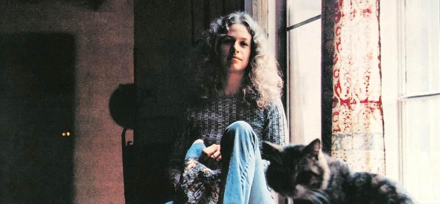 """Die US-amerikanische Musikerin, Sängerin und Komponistin Carole King auf dem Cover ihres Albums """"Tapestry"""", von dem unser heutiger Track des Tages """"It"""
