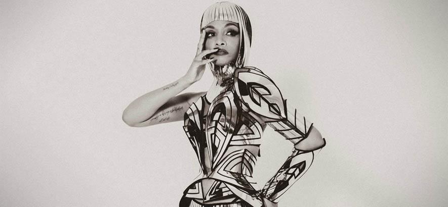 """Pressebild der R&B-Sängerin Dawn Richard, deren Song """"Bussifame"""" heute unser Track des Tages ist."""
