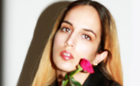 """Ebow veröffentlicht Valentinstags-EP """"Queer AF II"""""""
