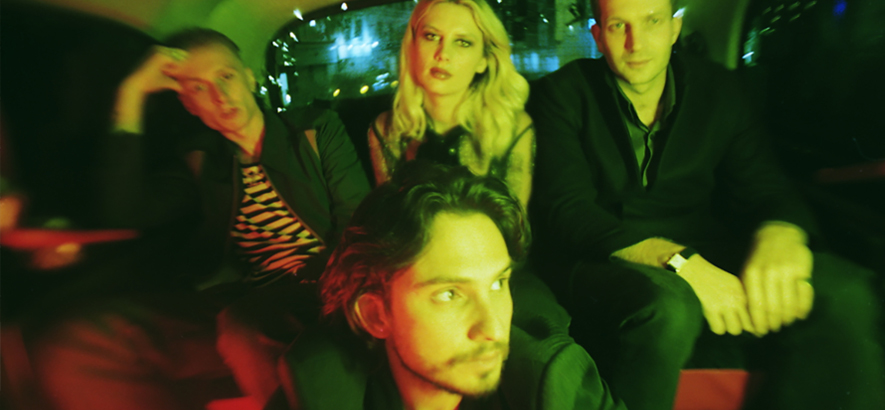 "Wolf Alice kündigen neues Album ""Blue Weekend"" an"