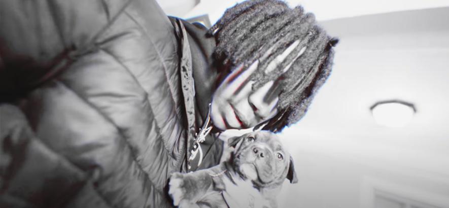 """Filmstill aus dem Musikvideo von Kenny Mason – """"Pup""""."""