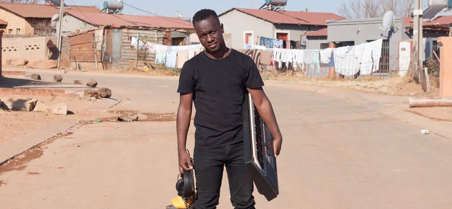 "Der Amapiano-Producer Teno Afrika aus Pretoria. Sein Stück ""Lerato La Bass"" ist heute unser Track des Tages."