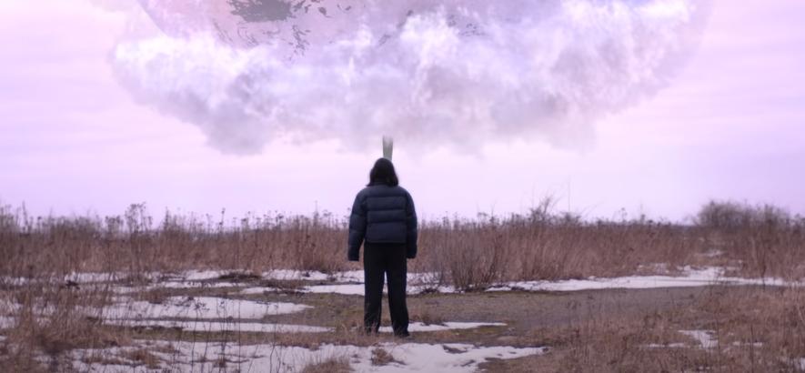 """Filmstill aus dem neuen Musikvideo von Black Midi – """"Slow""""."""