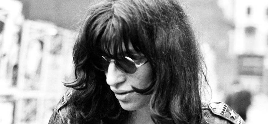 """Foto des US-amerikanischen Punk-Sängers Jeffrey Ross Hyman alias Joey Ramone. Sein Song """"Don"""