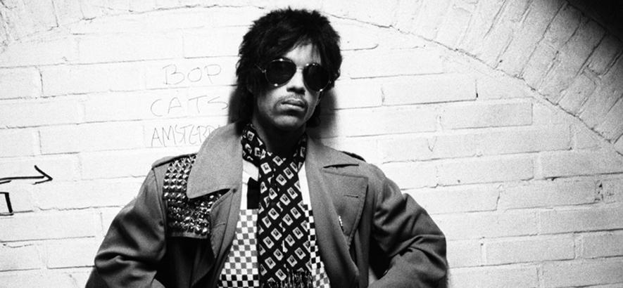 """Pressebild des Musikers Prince, dessen Song """"Make-Up"""" unser Track des Tages ist"""