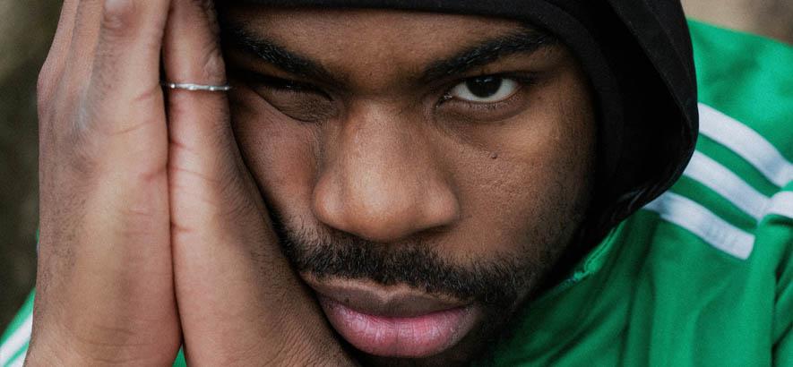 "Pressebild des Beliner Rappers Symba, dessen Stück ""Wm2006"" heute unser Track des Tages ist."