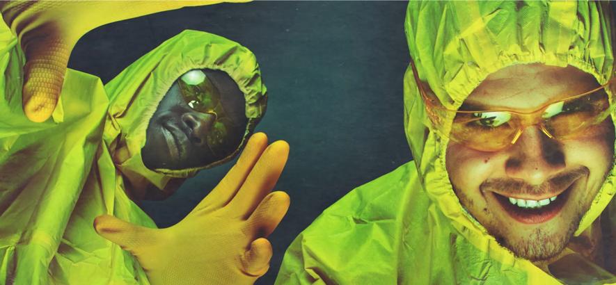 """Foto von Slowthai und Pa Salieu, die mit """"Glidin'"""" eine gemeinsame Single herausgebracht haben."""