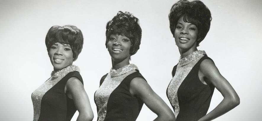 """Bandfoto von Martha And The Vandellas, deren Song """"Hitch Hike"""" heute unser Track des Tages ist."""