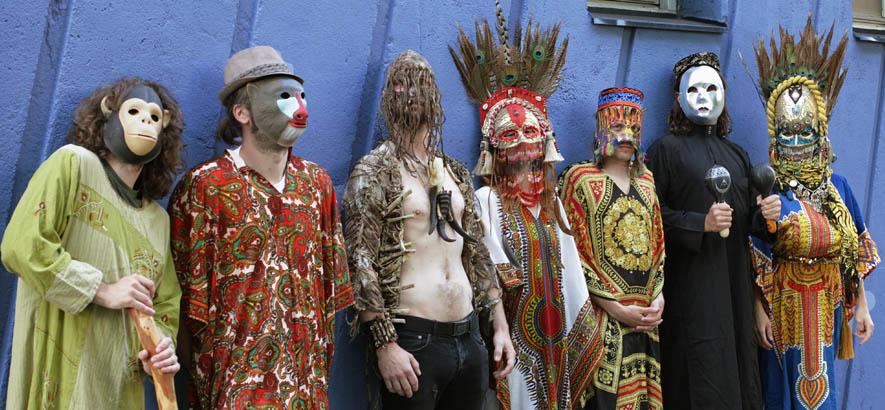 """Foto der schwedischen Psych-Band Goat, deren neuer Song """"Fill My Mouth"""" heute unser Track des Tages ist."""